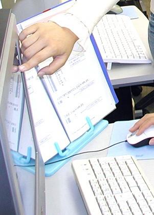 パソコンはお1人に1台です。お1人おひとりにしっかり対応した個別指導学習です。