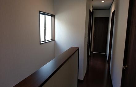 廊下腰壁に変更・クロス張替え・フローリング貼替え