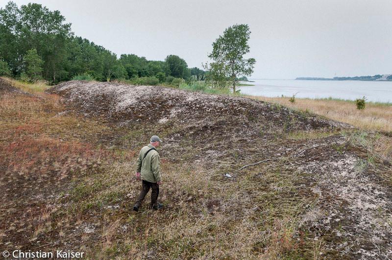 "the warden of Ness Island behind the Elbe River. Homage an den grandiosen Film  ""Stalker"" des Regisseurs Andrei Tarkowski"