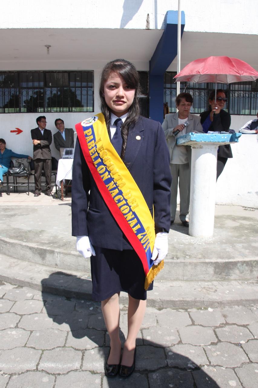 María Belén Orellana Lara Primera Escolta del Pabellón Nacional