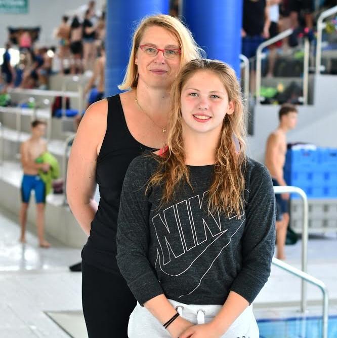 Isabella Prehn mit Ihrer Trainerin Sandra Storch / Foto: SSG Pforzheim