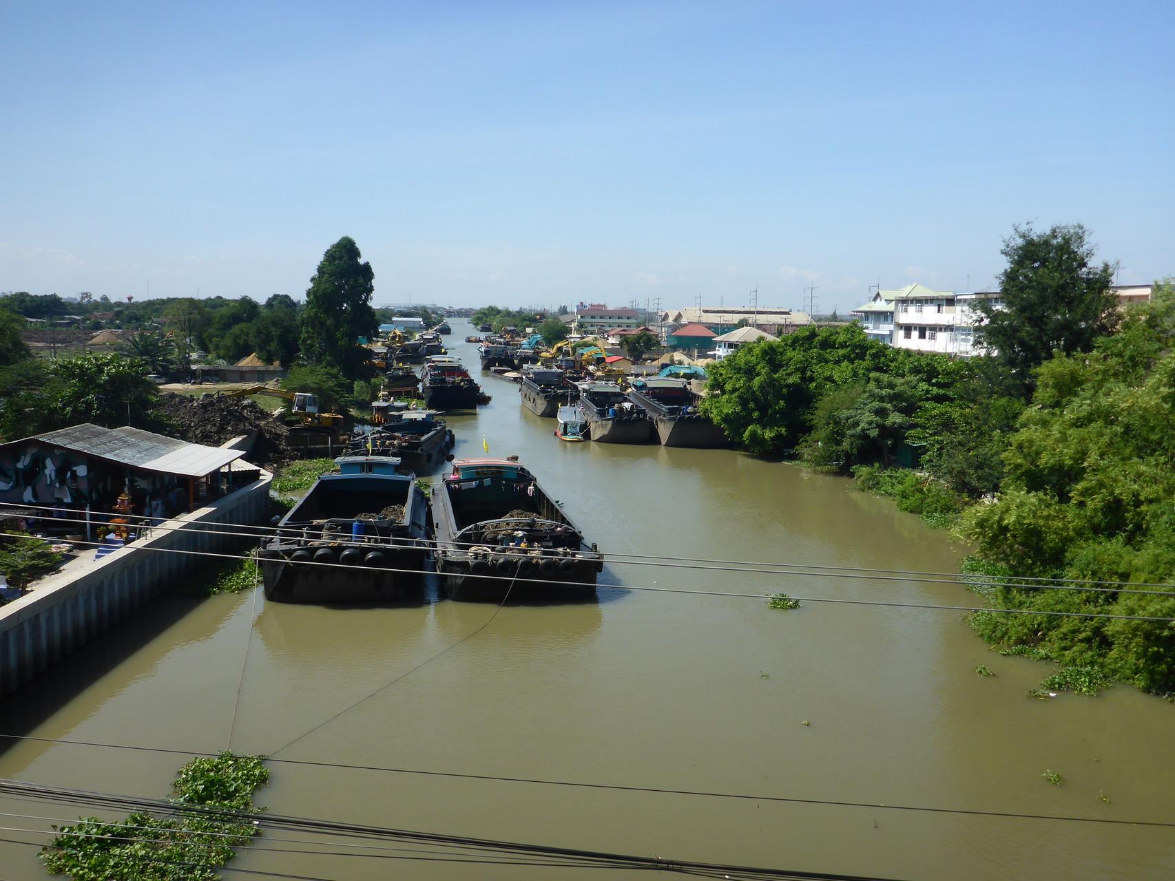 Brücke bei Pathum Thani