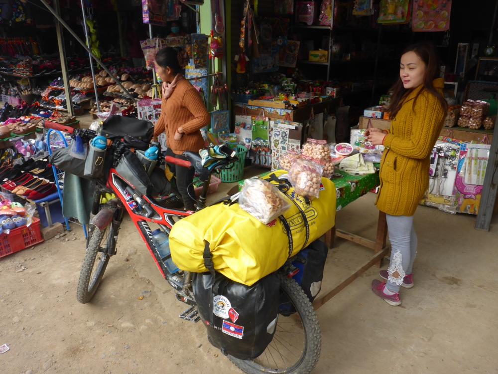 Muang Kham Market