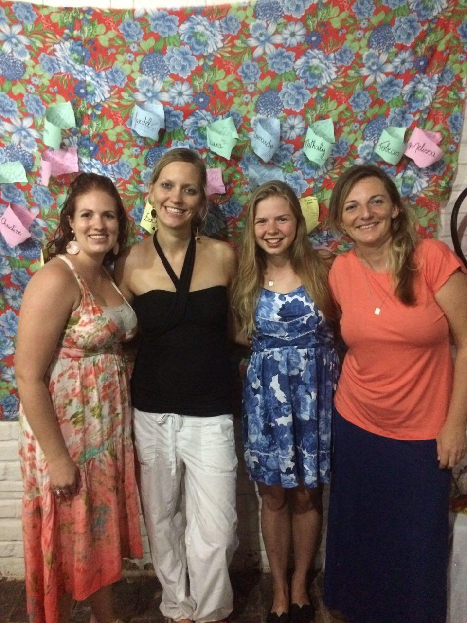 3. SpecialDinner: Fotosession mit Shawna & Melissa aus Kanada und Christine aus Deutschland