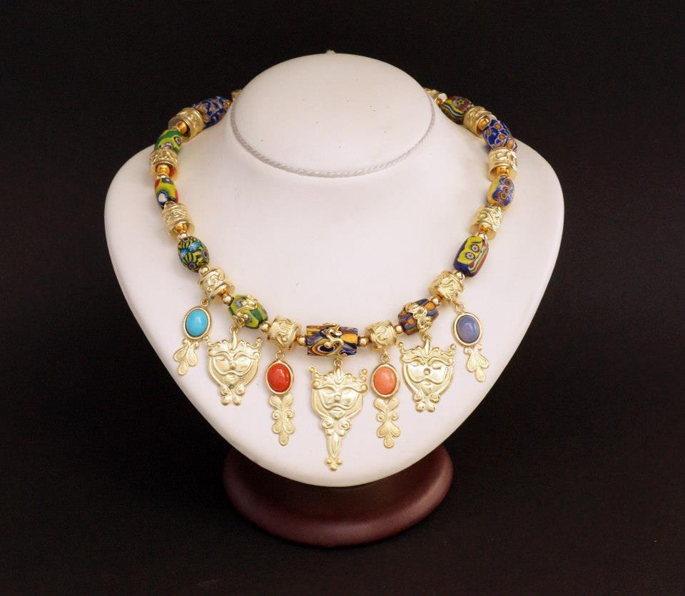 Collana di murrine con mascherine d'oro