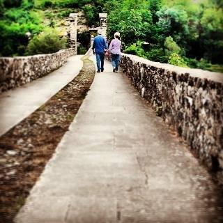 il suo soggetto preferito è indiscutibilmente il ponte gobbo simbolo del nostro bellissimo paese !!