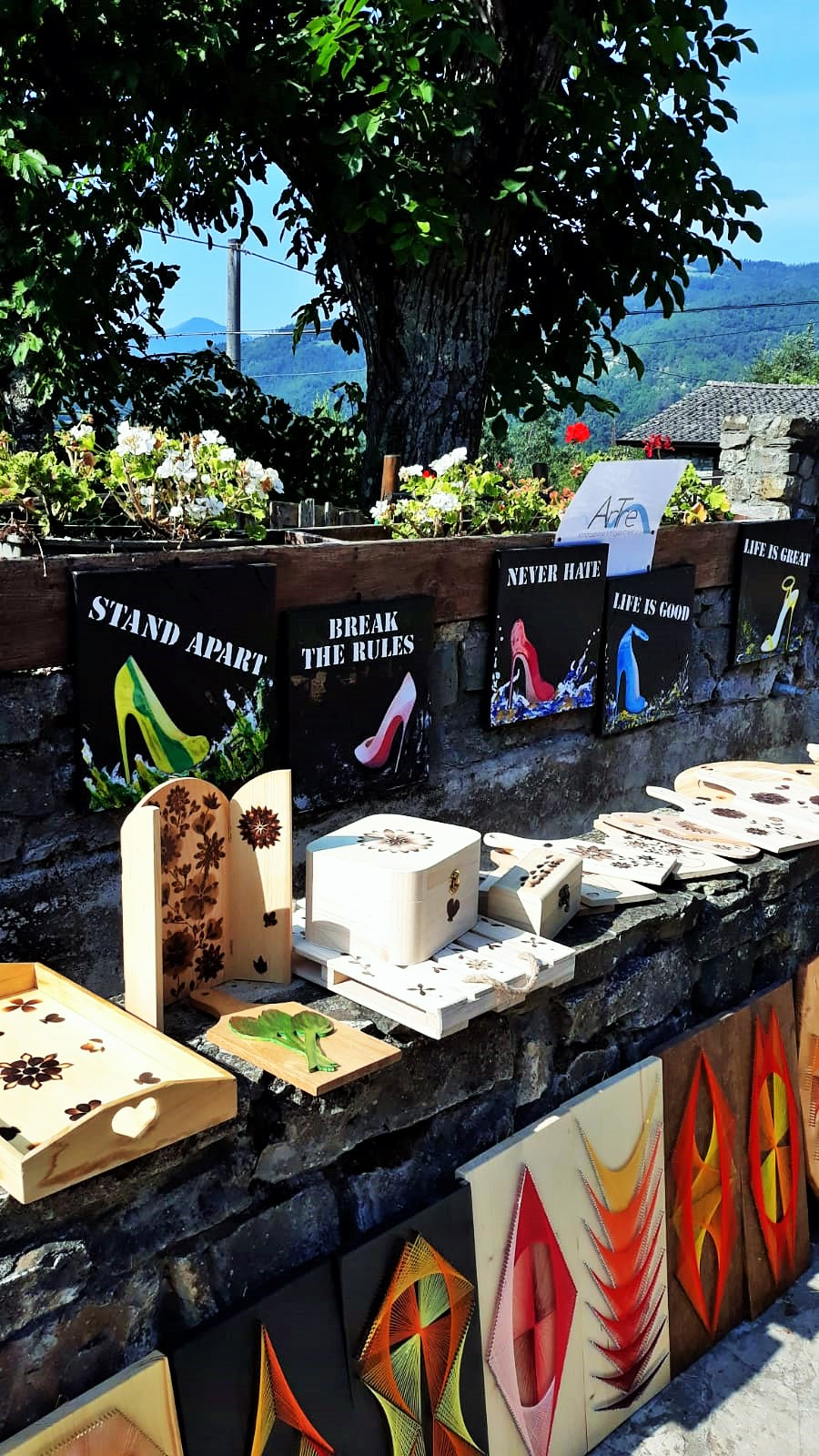 """""""Artigiani Creativi"""" di ArTre   5 agosto 2018   Brugnello di Marsaglia (PC) - mercatino di artigianato locale"""