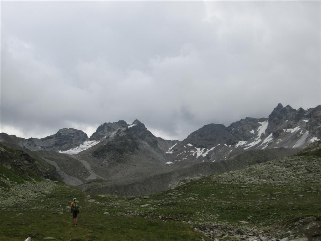 En route vers le bivouac sous le Getschnerspitze (2965m), massif de la Silvretta