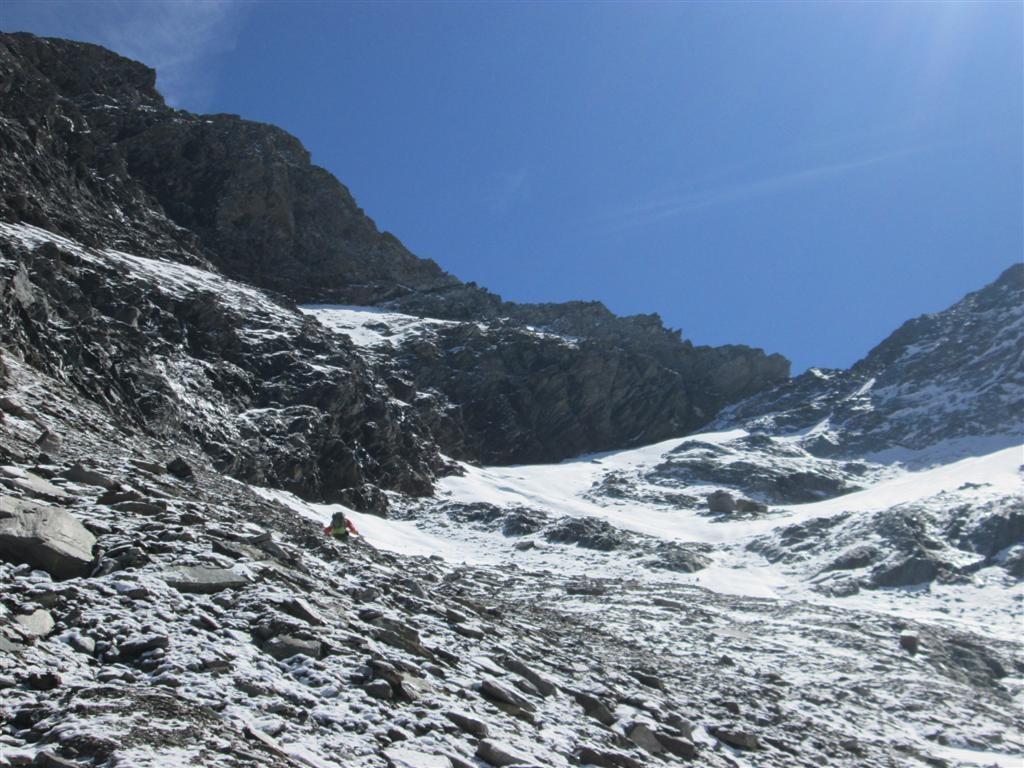 Montée au col d'Arietaz (2939m), point haut de l'itinéraire officiel de la Via Alpina