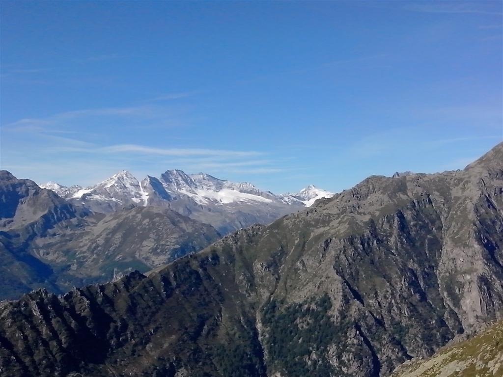 Et au fond, la frontière française avec la haute tarentaise et haute Maurienne