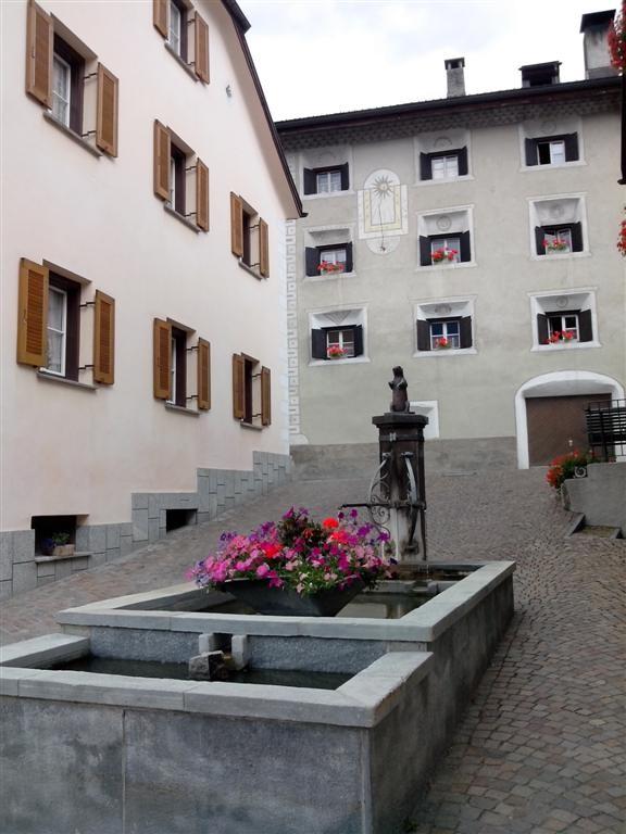 Scuol, fontaine