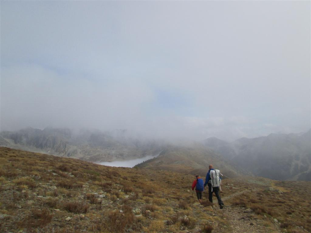 Sur la crête frontière menant au col de la Lombarde (2350m)