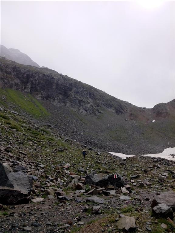 Descente du passo di Muretto (2562m) vers Maloja, sous l'averse.