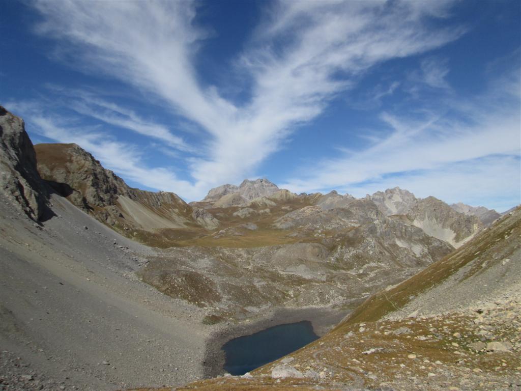 Du col d'Enchiausa (2740m), vue sur le lago d'Apzoi (2300m)