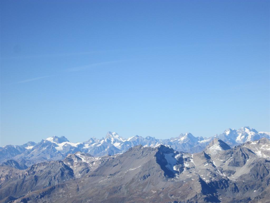 Des paysages connus ... le massif des Ecrins depuis le Rocciamelone (3528m)