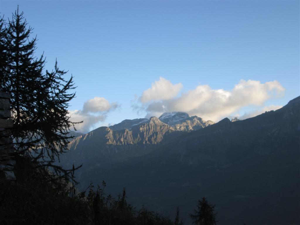 Le soleil est revenu sur le Monte Leone (3553m) que l'on aurait du frôler hier