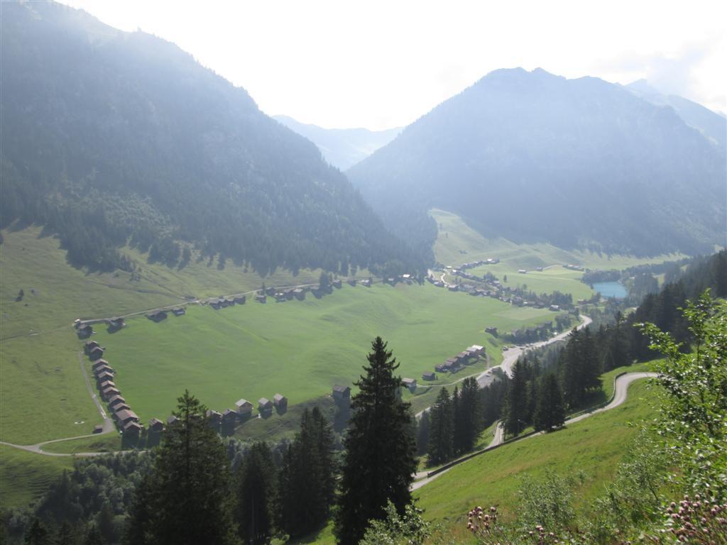 Le hameau de Steg (en rectangle autour d'un pré !)