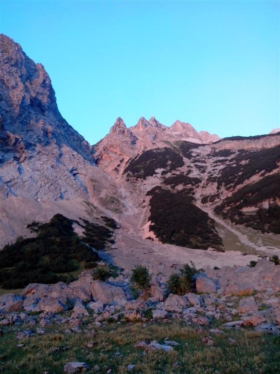 Montée très matinale vers Knorrhütte (2054m)