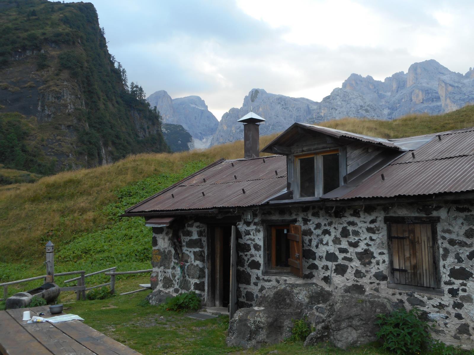 Cabane de Cra Campigat pour une courte nuit.