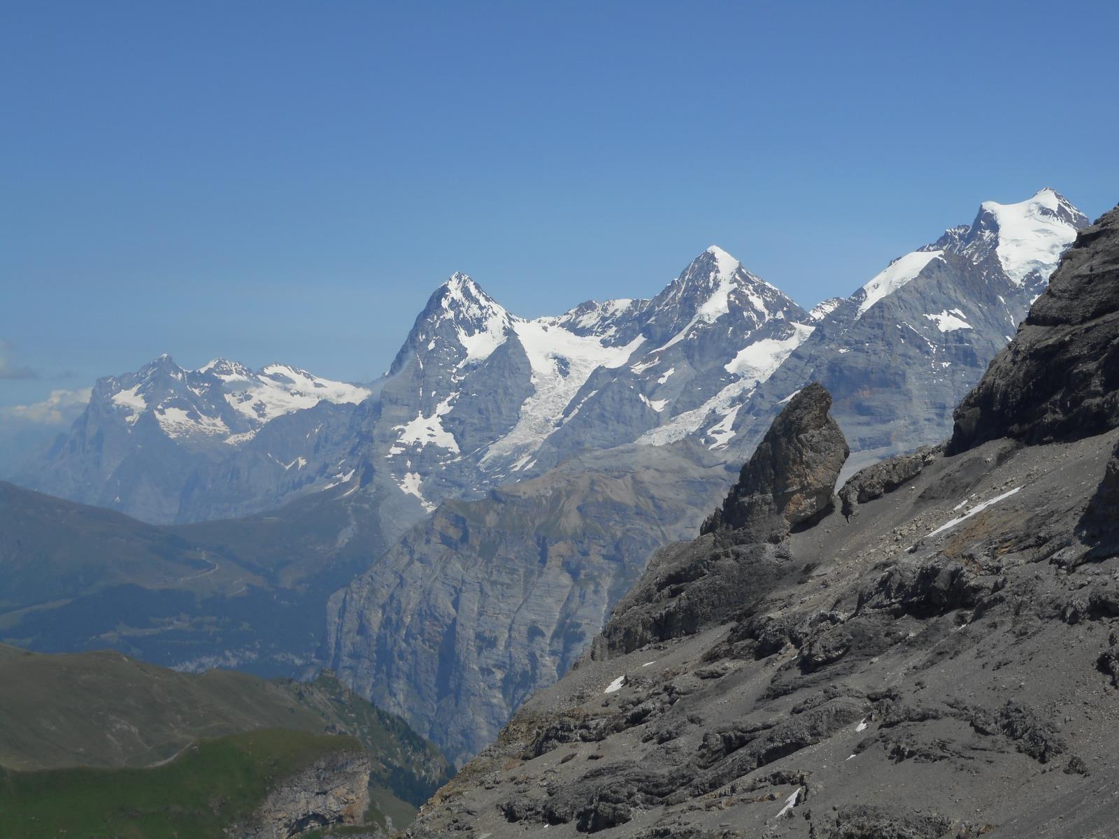Le tryptique Eiger-Moch-Jungfrau se dévoilent