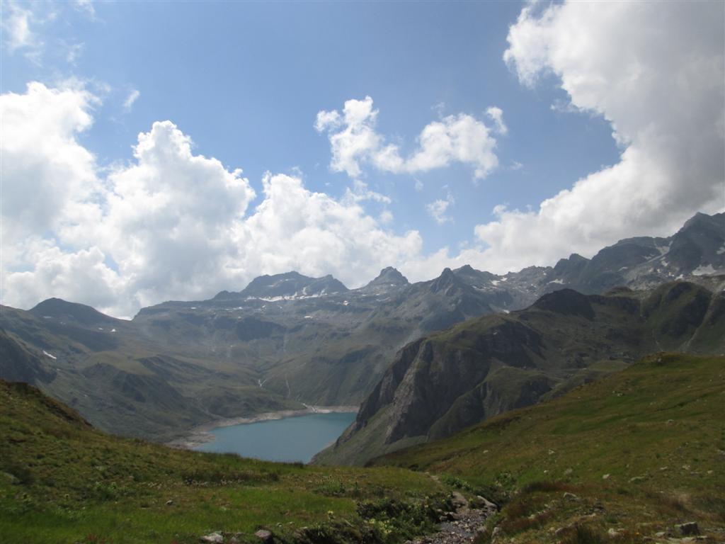 Descente sur le lac de Vannino