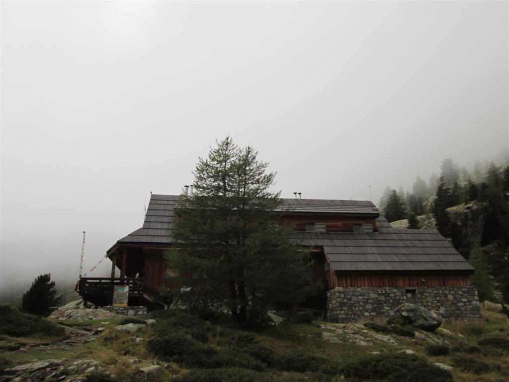 Refuge de la Cougourde, ouvert et gardé, 2100m
