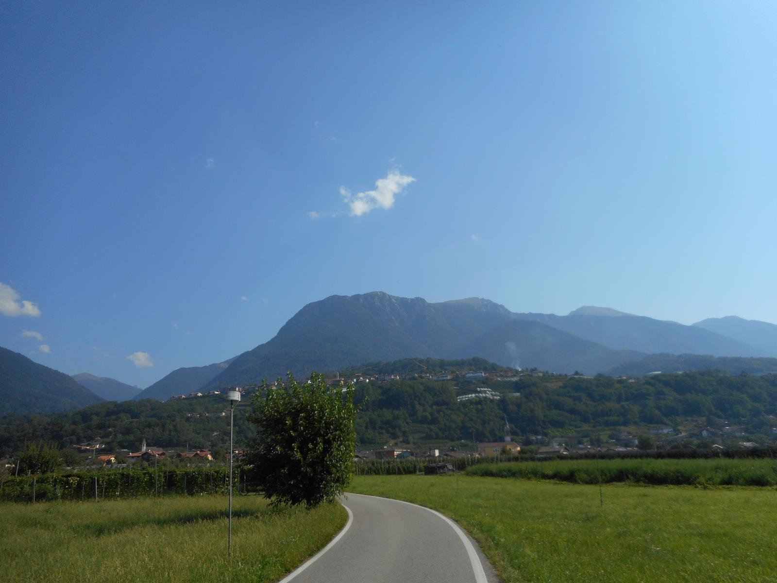 Traversée de la vallée à Castelnuovo
