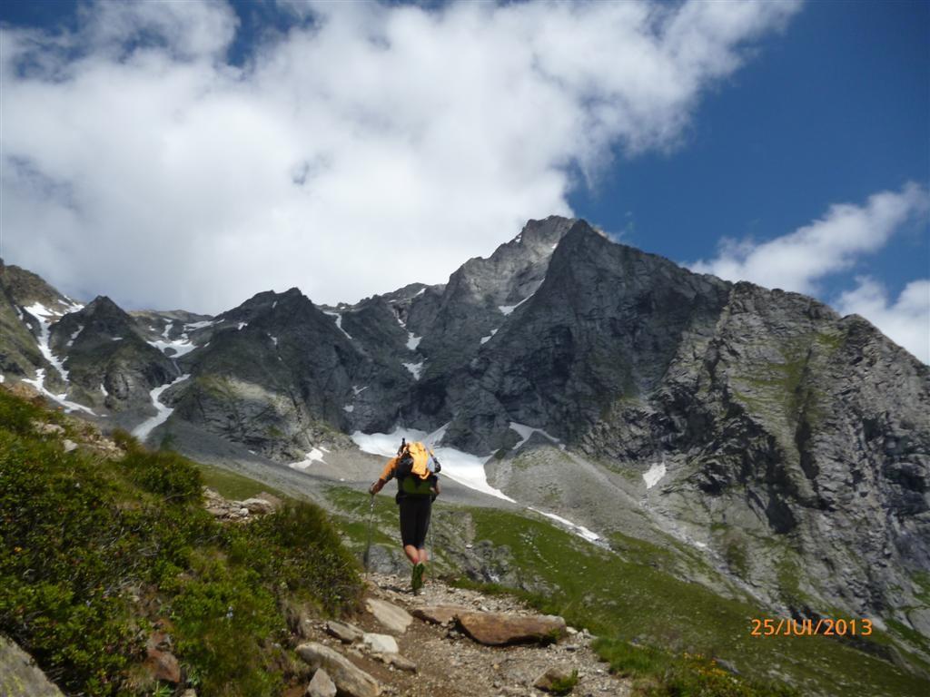 Montée en rythme vers le refuge de Rienserfernech (2800m)