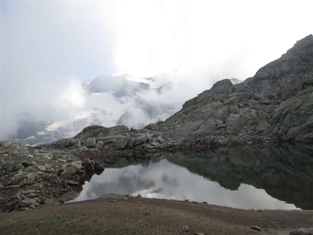 Vue éphémère sur le Basodino (3272m)