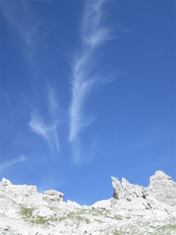 Arêtes déchiquetées au dessus du refuge de Carshina (2221m)