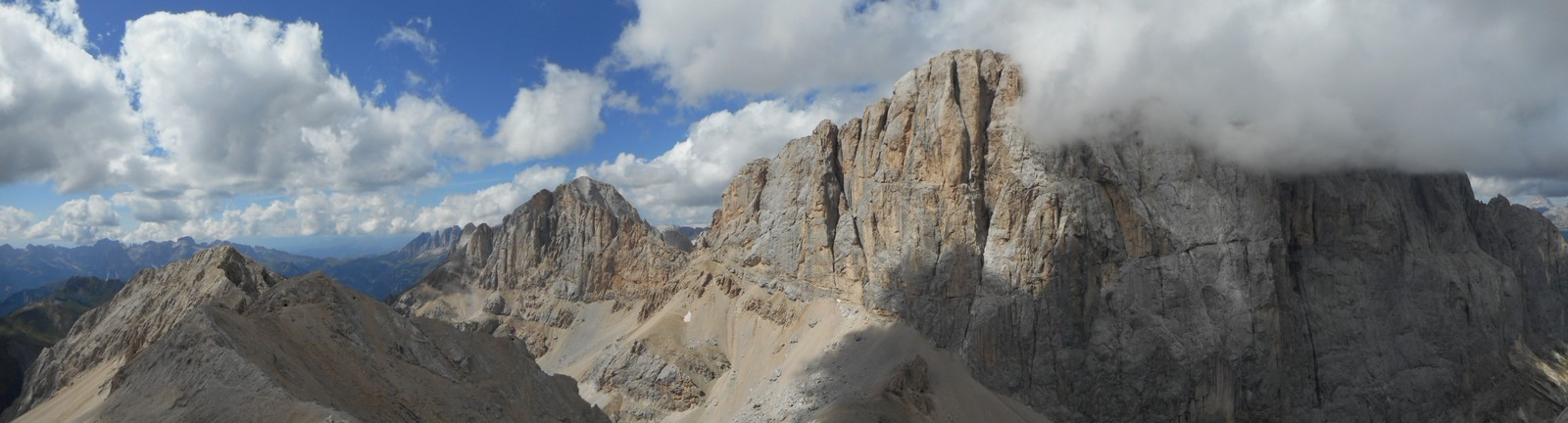 La face Sud de la Marmolada (3343m) depuis le pic d'Ombretta (3040m)