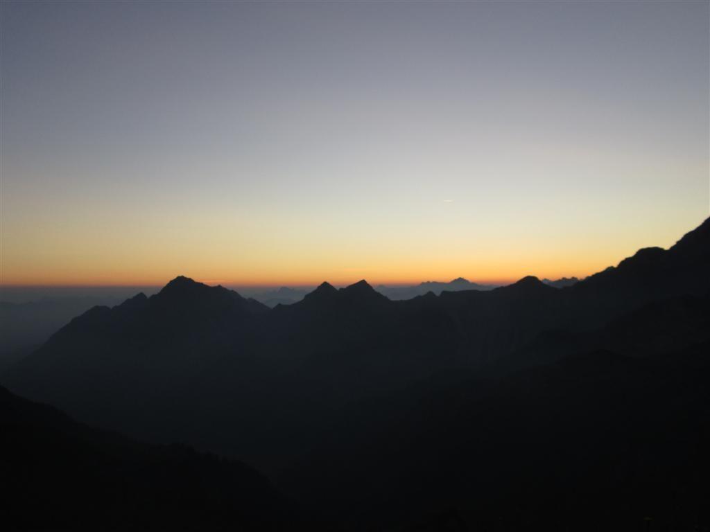Lever de soleil depuis le bivouac au dessus du refuge de Bettlerjoch (2108m)