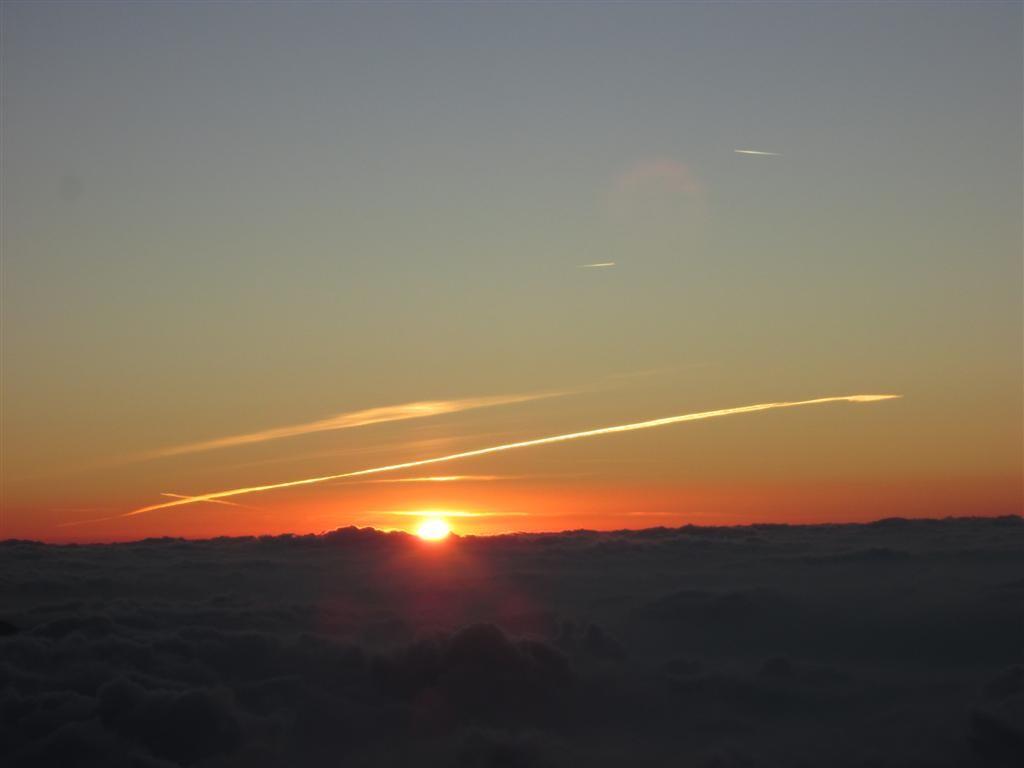 ... et le soleil jaillit de l'horizon !