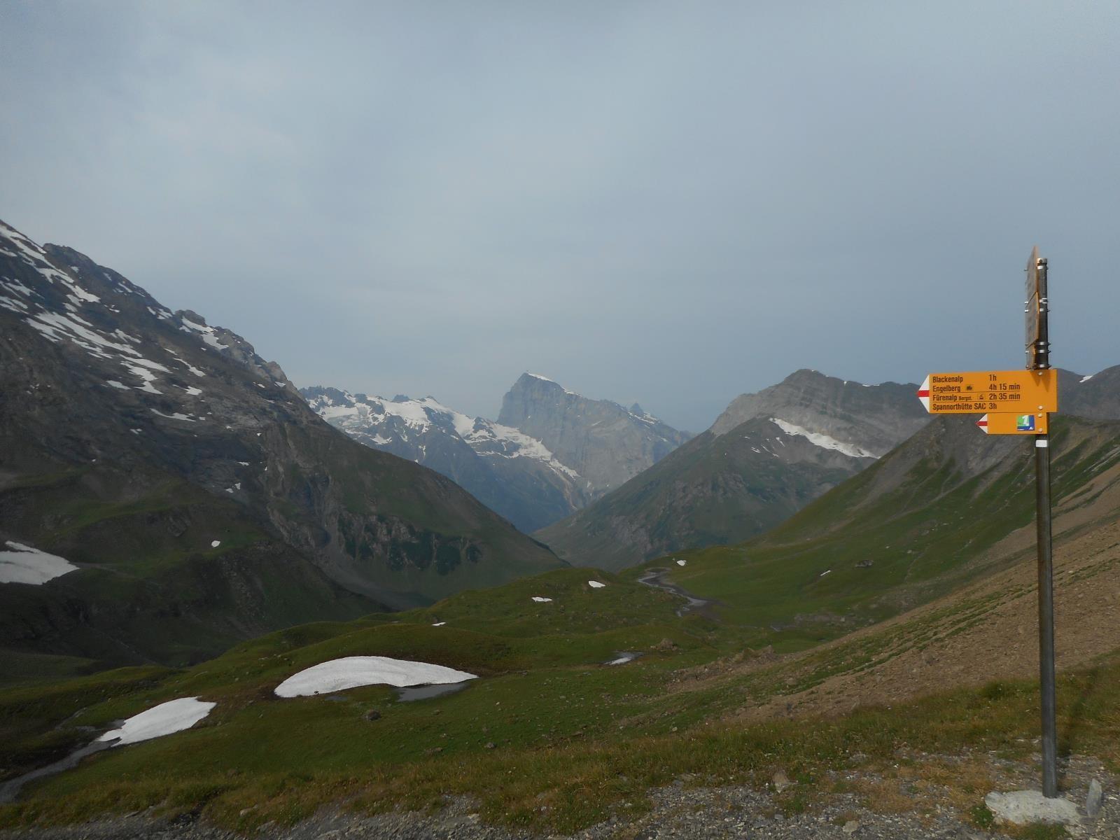 A l'ouest du Surenenpass, le Titlis (3238m)