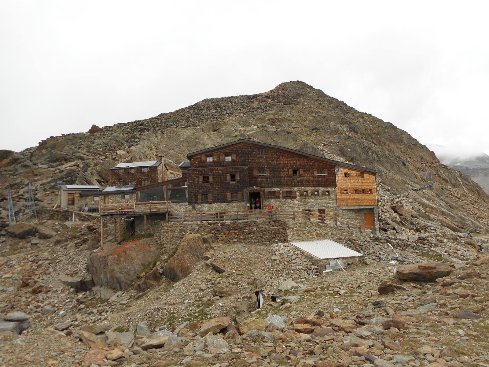 Le Similaun Hütte (3010m), point haut officiel de toutes les VA