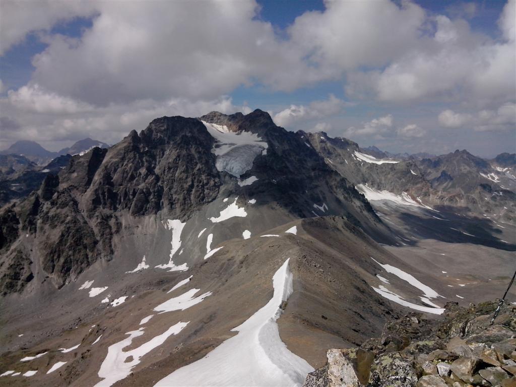Et petit sommet à 3058m, sur la crête frontière (Austro-Suisse)