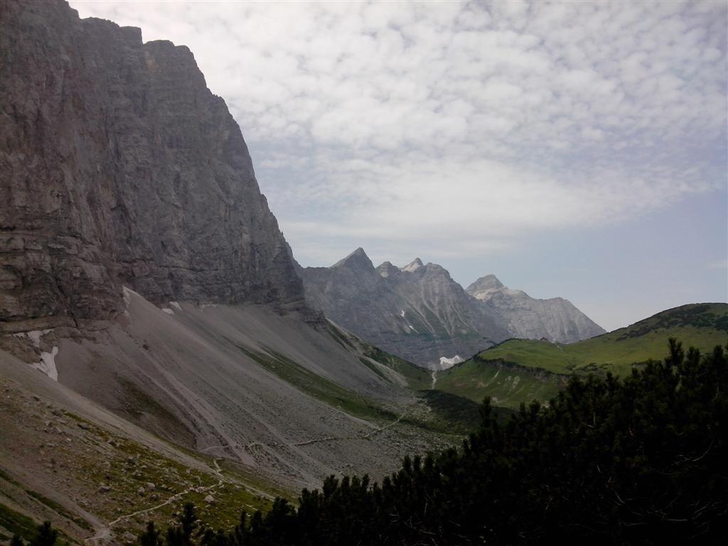 Les parois de Laliderser (2588m)