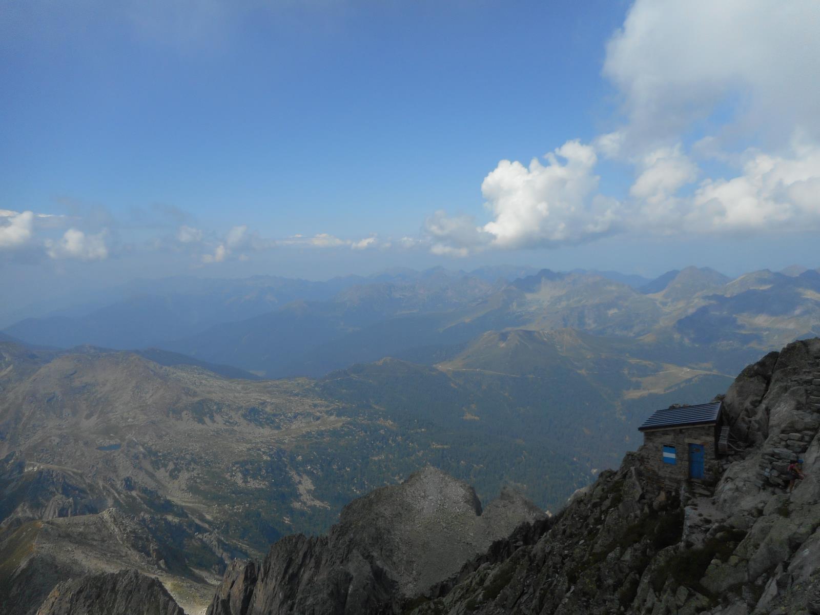 Biv. au sommet de la Cima d'Asta (2847m)