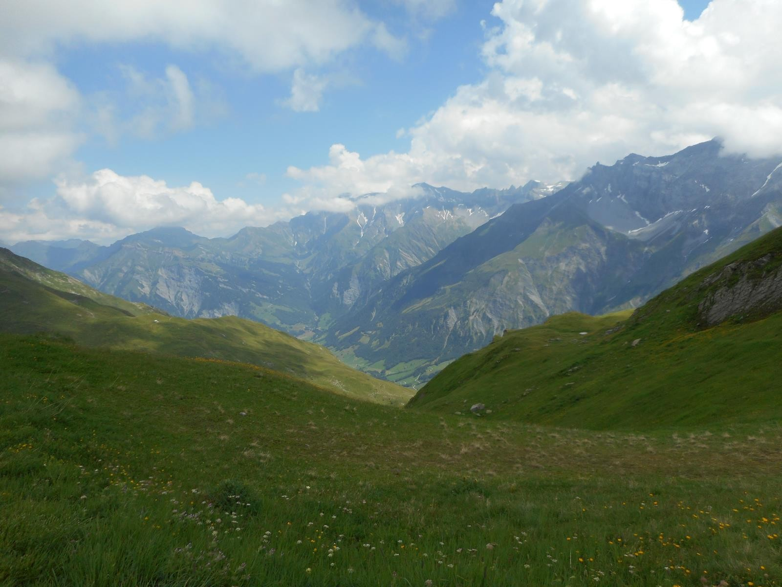 Et remonter sur le Richelitpass (2261m) par un raidillon à scier les meilleurs cuissauds