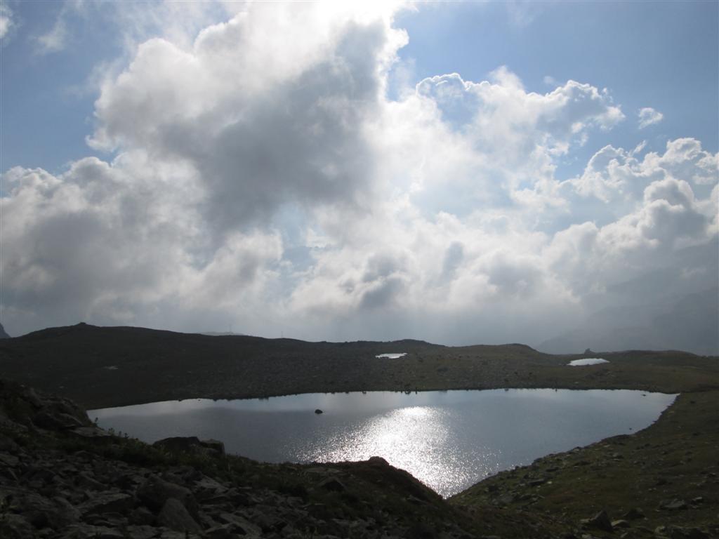 Petit lago Boden, parfait pour un bivouac (2350m)