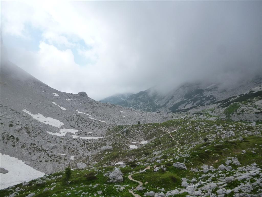 En plein coeur du Triglav, vers le col Hribarice (2300m)