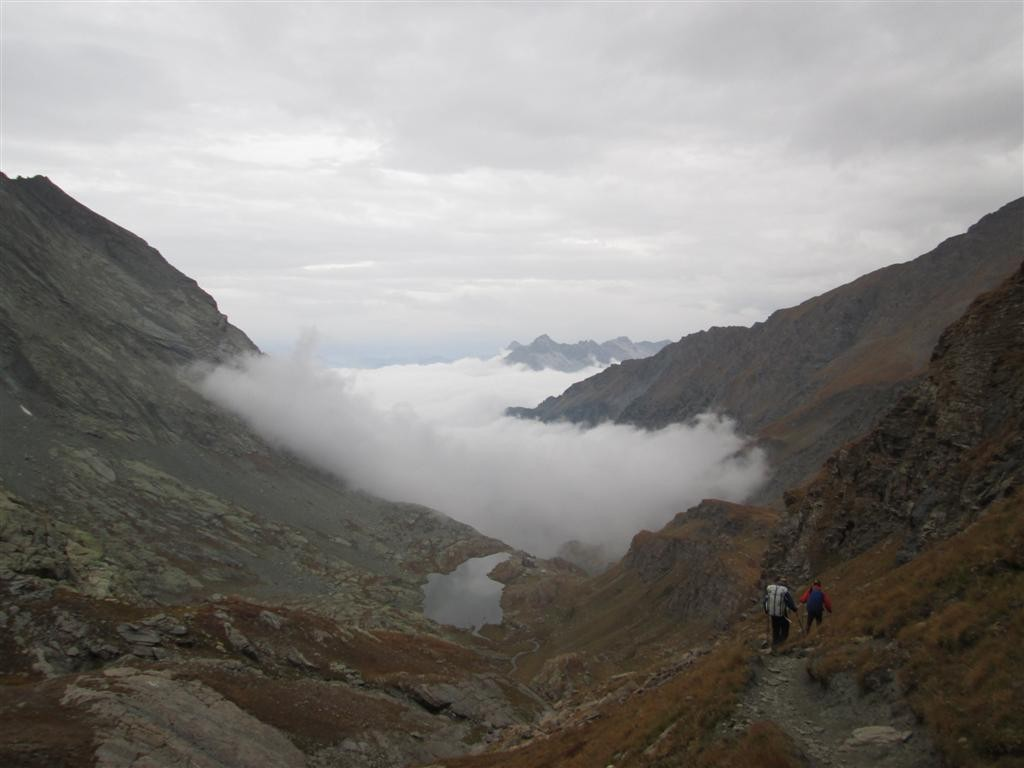 Descente sur le refuge CAI di Vallenta (2450m, locale invernale chauffé !)