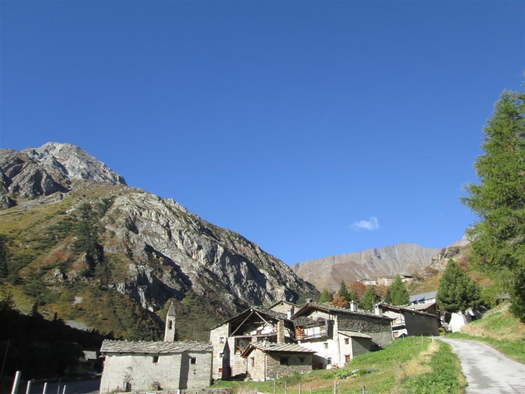 Hameau de Chiazale (1705m, vallée de Bellino)