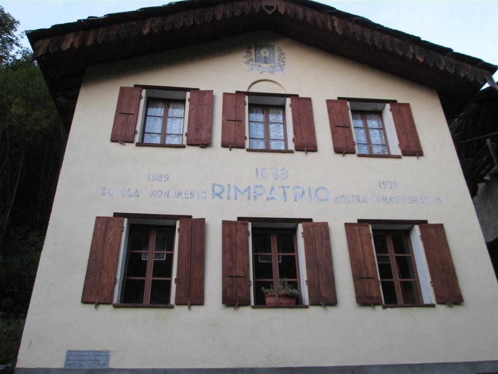 Ancienne école de Balsiglia reconvertie en musée et posta trappa (gîte)