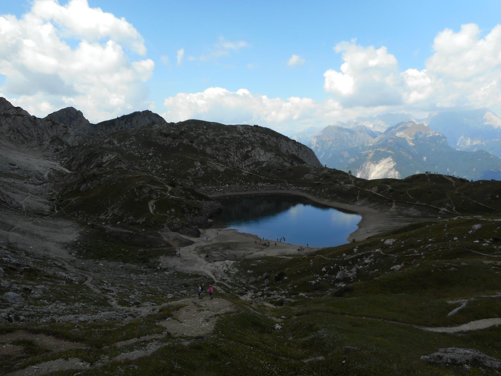 El lago del Coldai (2143m), versant Ouest de la Civetta
