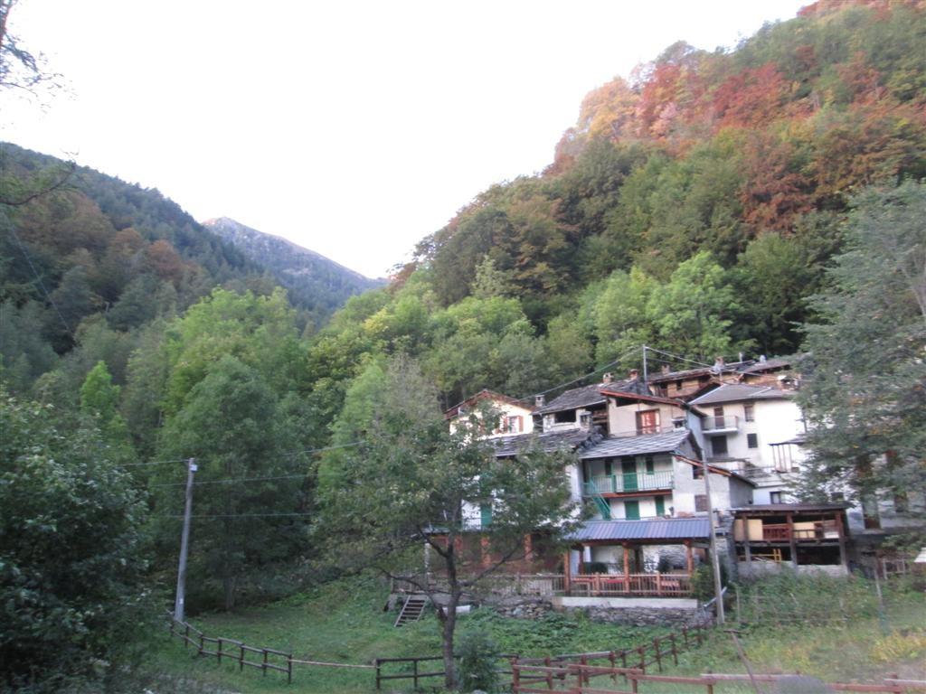 Petit village sur la route de Didiero