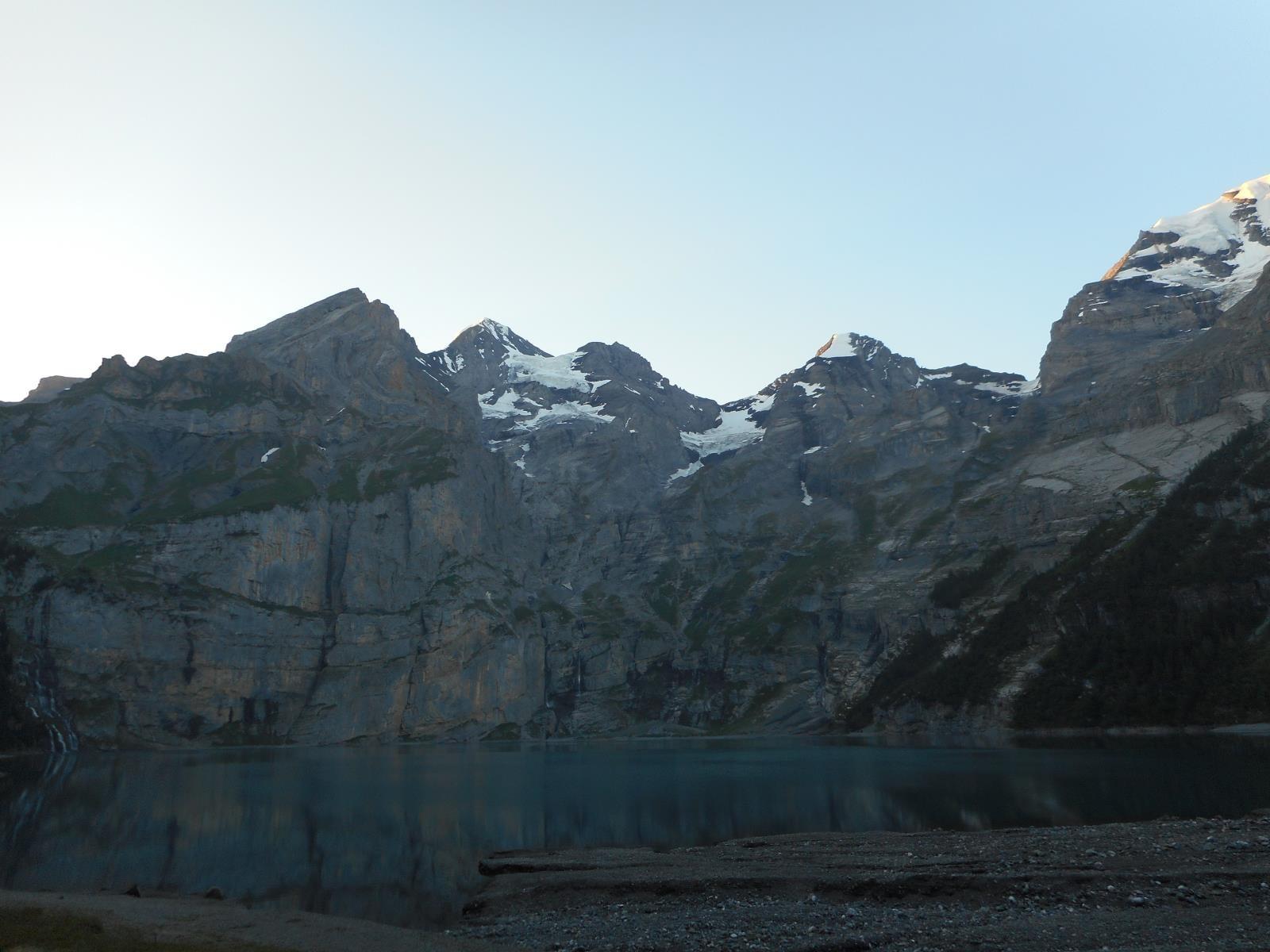 Fin de journée au bord de l'Oeschinensee (1600m)