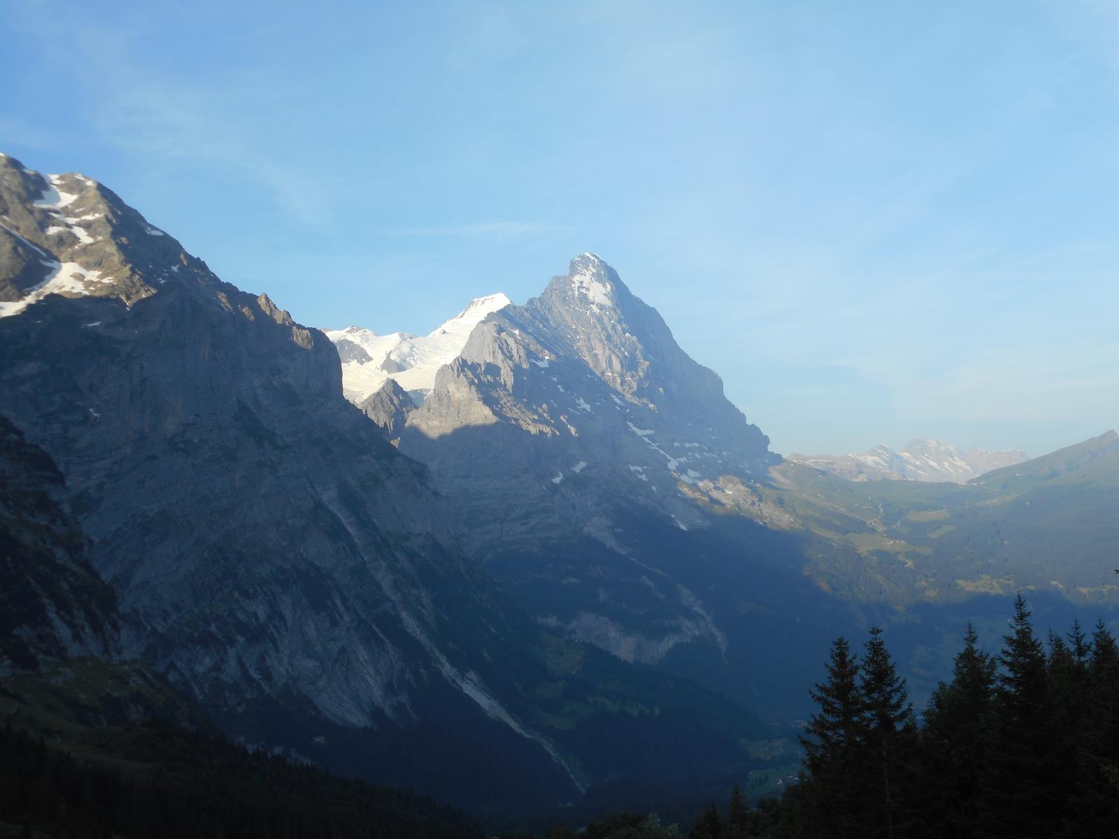Toujours les mêmes parois depuis le Grosse Scheidegg (1962m),