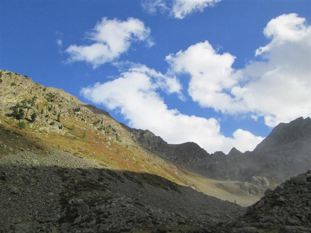 Montée vers le passo di Rostagno (2530m), après le refuge CAI Zanoti (fermé, no locale)