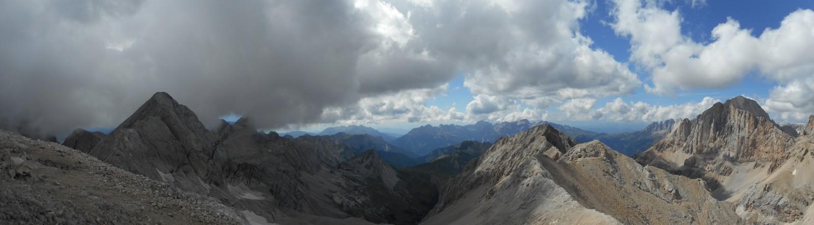 Le Val d'Ombretta (versant Est) depuis le sommet